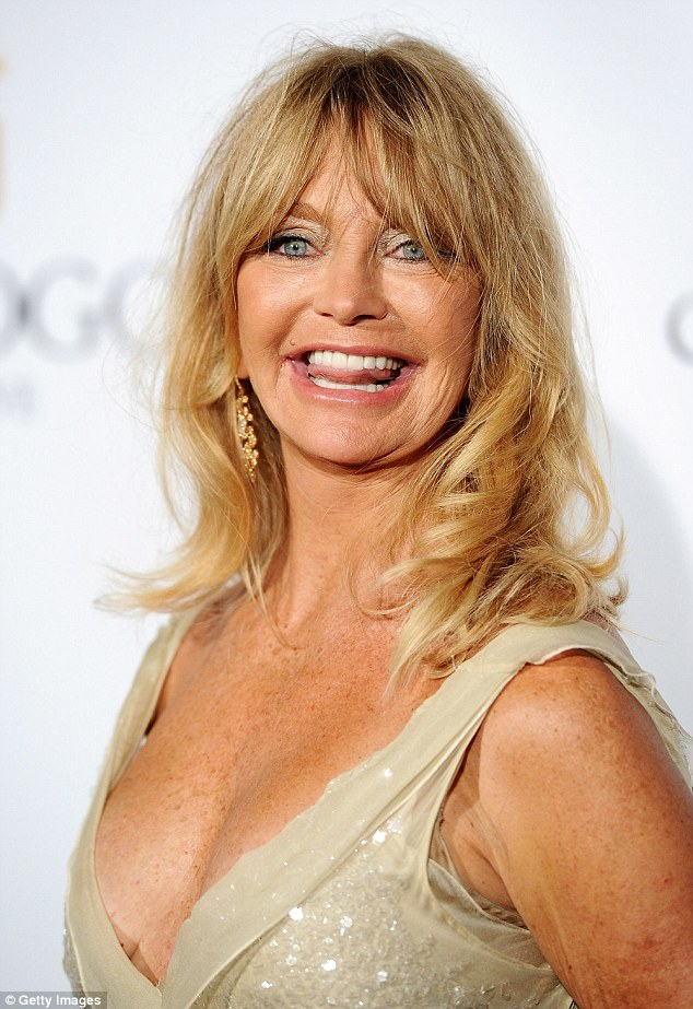 0C1F00C600000578-3404794-She_s_still_got_it_At_70_years_old_Goldie_Hawn_still_hasn_t_lost-a-25_1453119565782